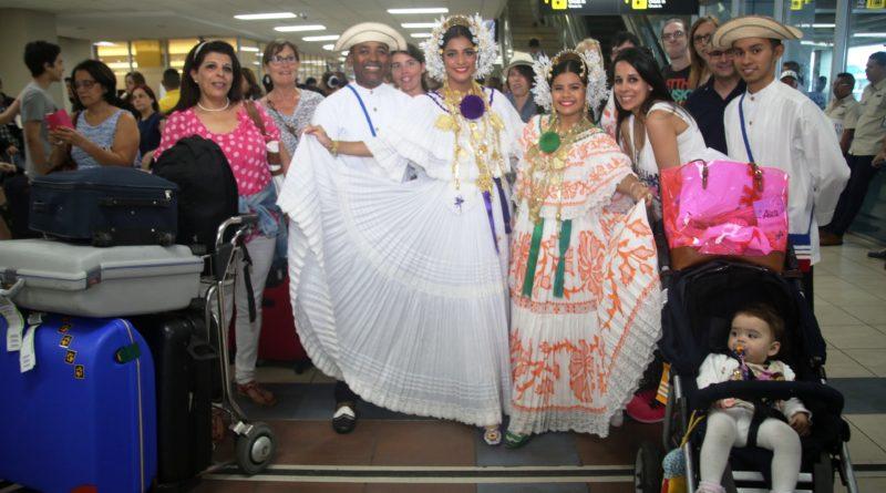 foto de la cobertura de la llegada grupo de turistas Alemanes 029